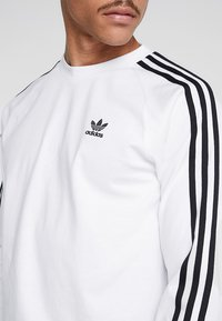 adidas Originals - 3 STRIPES UNISEX - Long sleeved top - white - 3