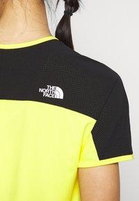 The North Face - W ACTIVE TRAIL - Print T-shirt - lemon - 5