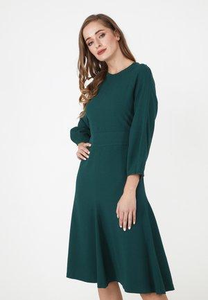 CHARLOTTA - Day dress - grün