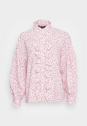 CHERISH FLORAL RUFFLE BLOUSE - Pusero - light pink