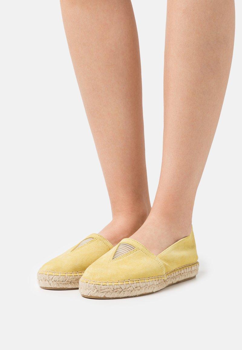Zign - Espadrilles - yellow