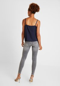 ONLY - ONLBLUSH - Vaqueros pitillo - grey denim - 2