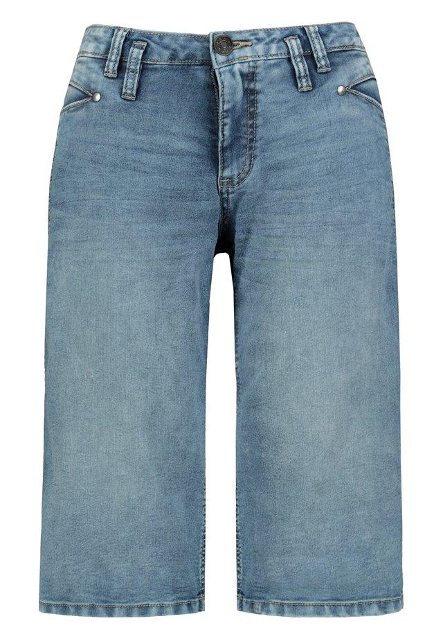GINA LAURA DAMEN JEANS, 4-POCKET-SCHNITT, SCHMALES BEIN  - Jeansshort - blue bleached
