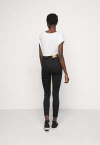 NA-KD Tall - HIGH WAIST RAW  - Jeans Skinny Fit - black - 2
