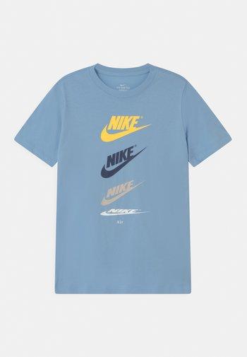 FUTURA REPEAT - Print T-shirt - psychic blue