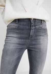 CLOSED - SKINNY PUSHER - Skinny džíny - mid grey - 6