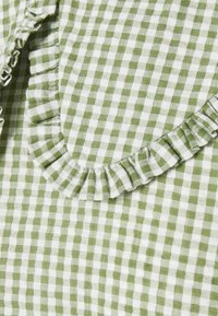 Pieces Petite - PCIDA MIDI DRESS - Shirt dress - bright white/turtle green - 2