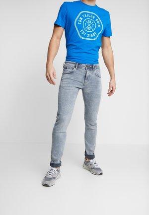 SLIM PIERS - Slim fit jeans - bleached grey denim