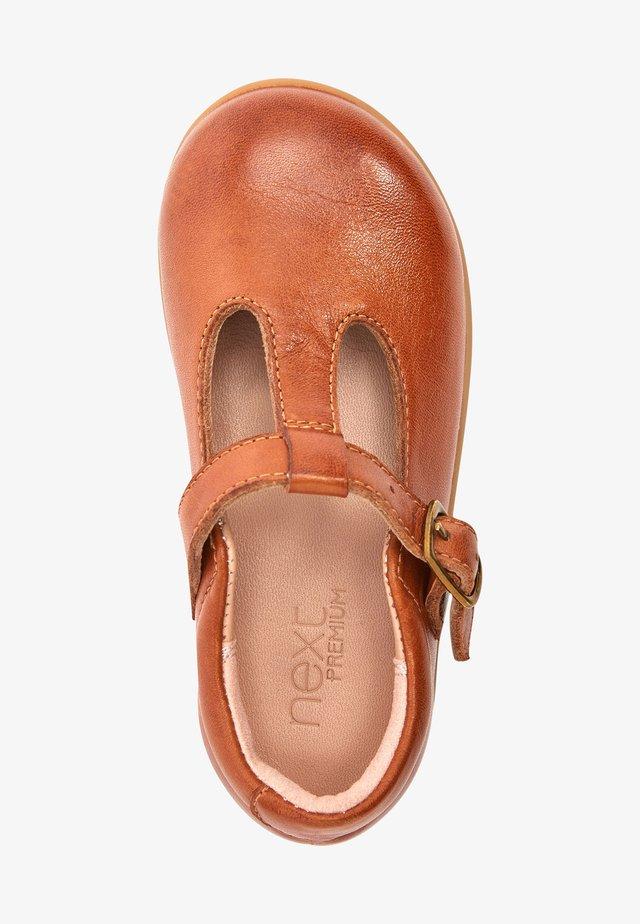 Ballerine con cinturino - brown