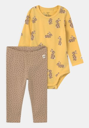 RABBIT SET UNISEX - Leggings - Trousers - light dusty yellow