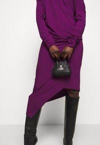 Vivienne Westwood - JOHANNA MINI YASMINE - Handbag - black - 1