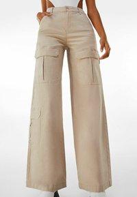 Bershka - Pantalon classique - beige - 0