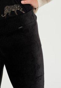 WE Fashion - Pantaloni - black - 2