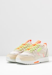 Reebok Classic - RIPPLE TRAIL - Sneakers - stucco/lemon glow/solar orange - 4