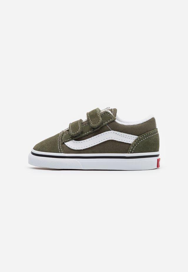OLD SKOOL - Sneakers laag - grape leaf/true white