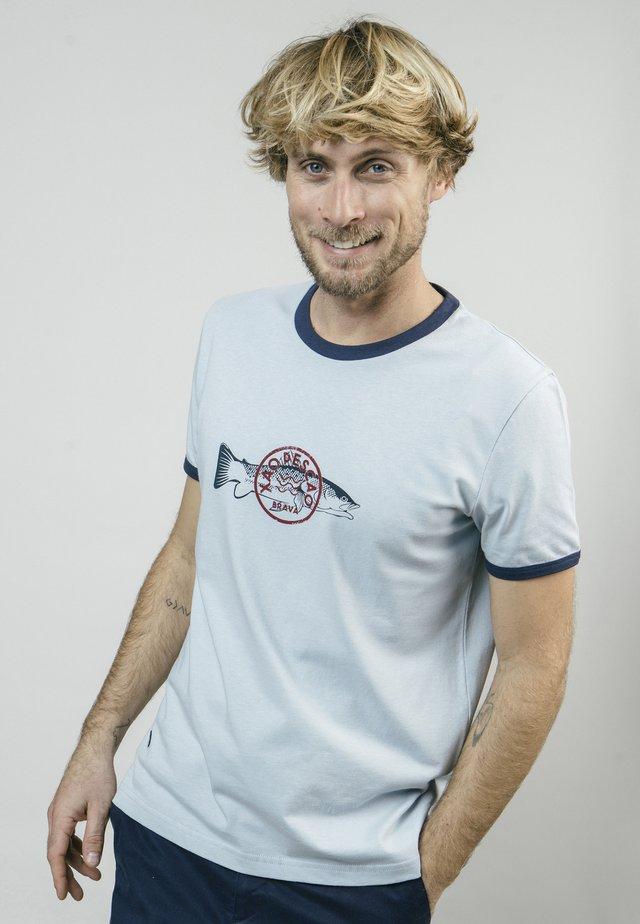 XAO PESCAO - T-shirt z nadrukiem - blue