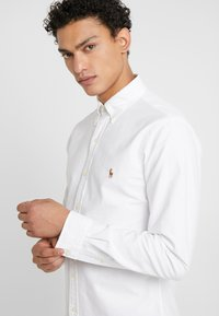 Polo Ralph Lauren - OXFORD SLIM FIT - Košile - white - 4