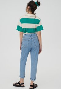 PULL&BEAR - MOM - Relaxed fit jeans - grey - 2