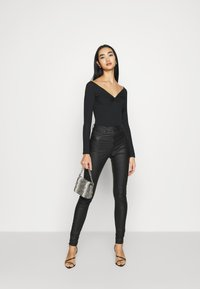 New Look - KNOT FRONT BODY - T-shirt à manches longues - black - 0