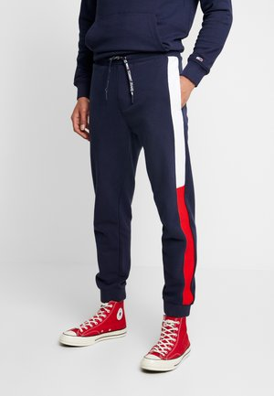 TJM JACQUARD FLAG  - Tracksuit bottoms - black iris