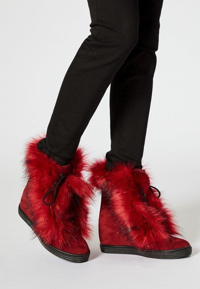 Winter boots - bordeaux