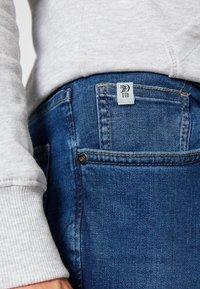 TOM TAILOR DENIM - SLIM PIERS - Jeans slim fit - used mid stone blue denim - 6