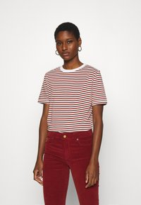 Selected Femme - SLFMY PERFECT TEE BOX CUT - Print T-shirt - red - 0