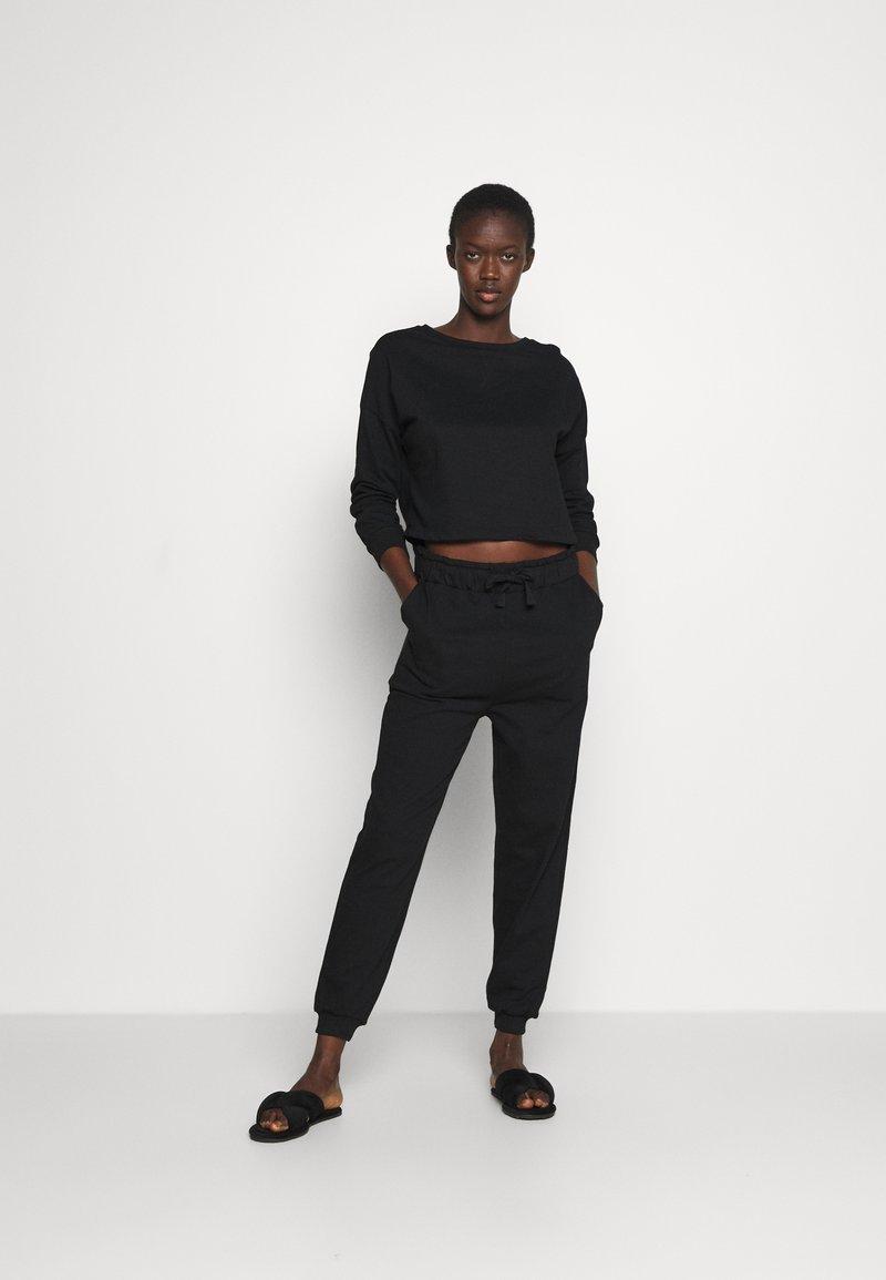 Anna Field - Basic lounge set - Pyjama set - black