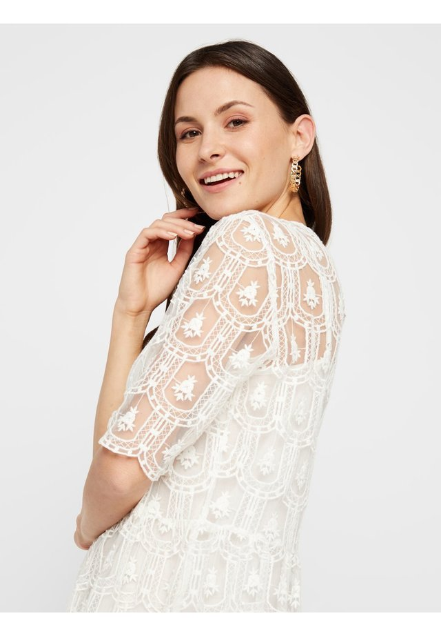 MESH DETAIL - Shift dress - bright white