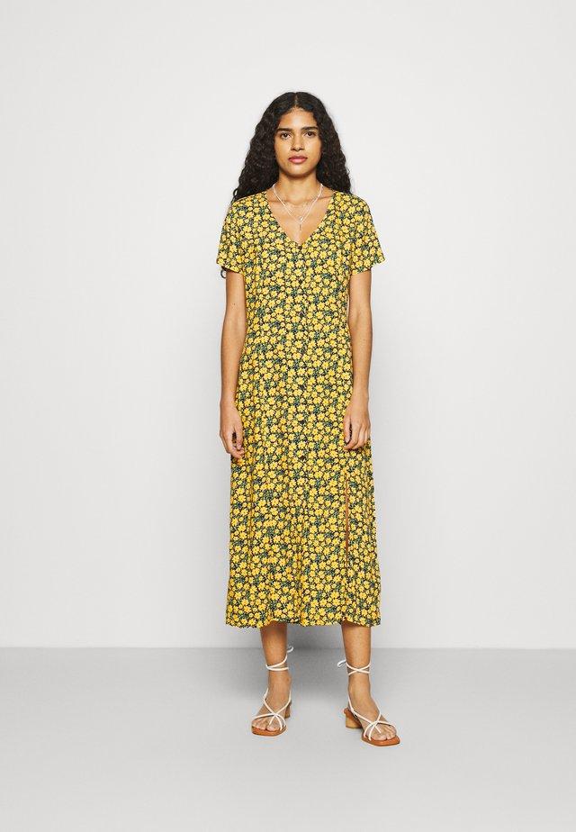 NADILO - Korte jurk - yellow