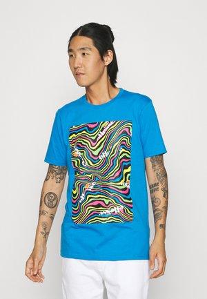 CAMRINO TEE - Majica kratkih rukava s printom - blue