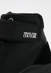 Versace Jeans Couture - Baskets montantes - black - 3