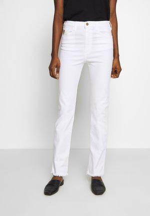 REBECA EDGE - Džíny Straight Fit - white