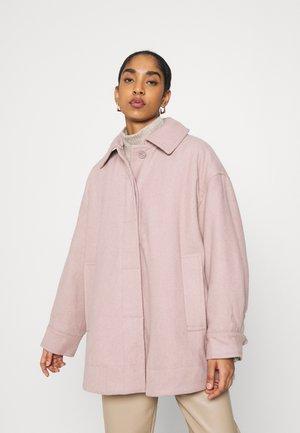 CARLI JACKET - Krátký kabát - rose