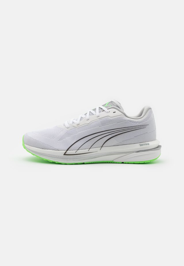 VELOCITY NITRO COOLADAPT - Obuwie do biegania treningowe - white/black/elektro green