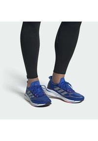 adidas Performance - SUPERNOVA + BOOST BOUNCE PRIMEGREEN RUNNING REGULAR SHOES - Neutral running shoes - blue - 0