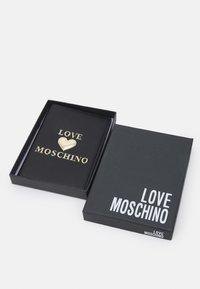 Love Moschino - PASSPORT COVER - Passport holder - nero - 3