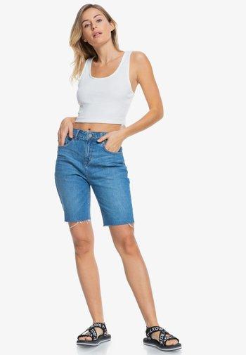 MIDNIGHT CIRCLE - Short en jean - medium blue