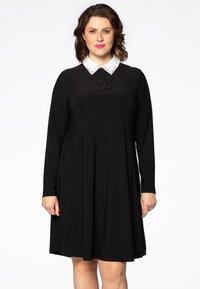 Yoek - MIT BAND-DETAIL - Day dress - black - 0