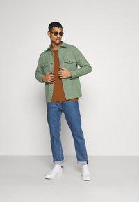 ARKET - Skjorta - khaki/green - 1