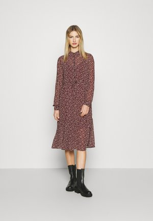 VMLIN DRESS - Shirt dress - port royale
