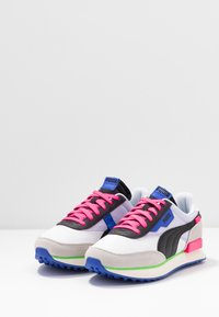 Puma - FUTURE RIDER PLAY ON UNISEX - Sneakers basse - white/gray violet/black - 2