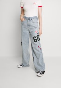 BDG Urban Outfitters - BADGE PUDDLE - Relaxed fit jeans - summer blue - 0