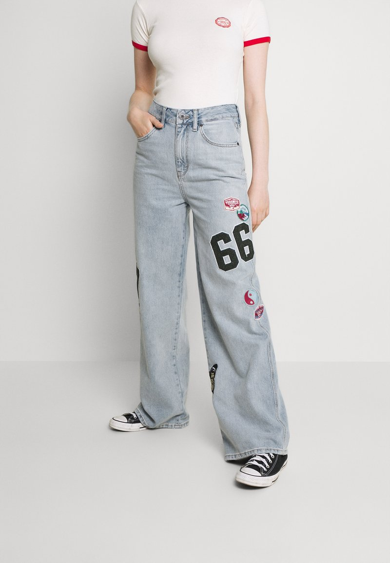 BDG Urban Outfitters - BADGE PUDDLE - Relaxed fit jeans - summer blue