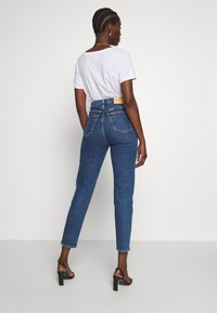 Calvin Klein Jeans - MOM - Jeansy Relaxed Fit - dark blue stone - 2