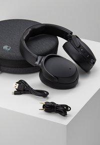 Skullcandy - VENUE ANC WIRELESS - Headphones - black - 5
