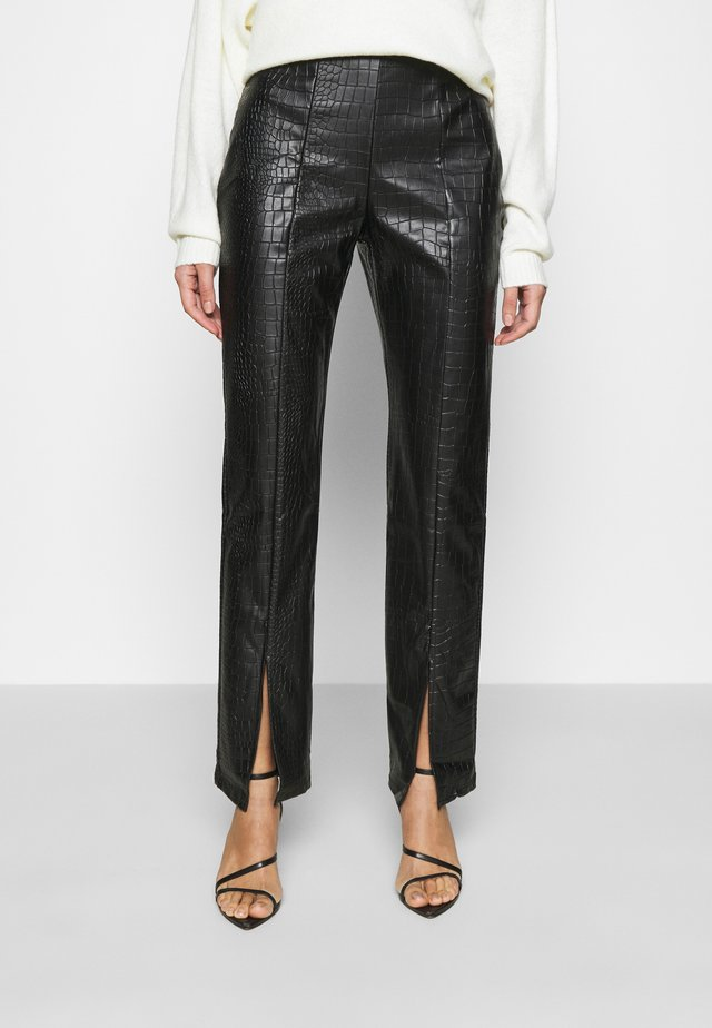 STRUCTURED PANTS - Kangashousut - black