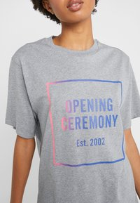 Opening Ceremony - OMBRE BOX LOGO TEE - Print T-shirt - heather grey - 4