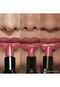 Bobbi Brown - LUXE LIP COLOR - Lipstick - desert rose - 3