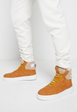 TOP  - High-top trainers - summer cognac